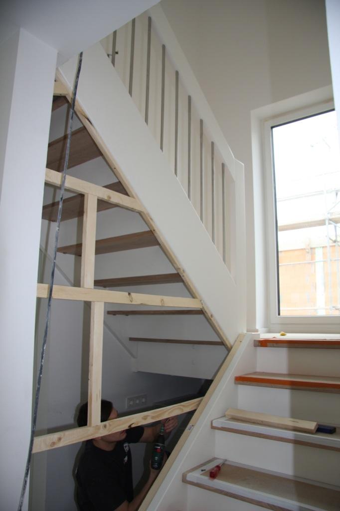 die treppe d ckinghaus die treppe wir bauen das d ckinghaus. Black Bedroom Furniture Sets. Home Design Ideas